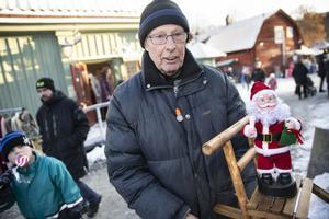 Kurt Andersson sålde minisparkar på julmarknaden.