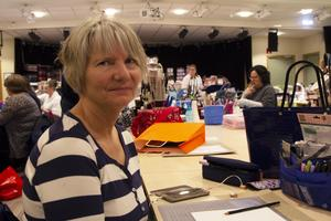 Ingela Svedin från Enånger är en av de omkring femtio deltagarna och gör bland annat en bullet journal, en kalender man utformar helt fritt.