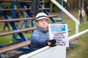 Ett ungt fan som ville gratulera.