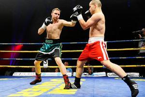På galan i Sporthallen för bra precis ett år sedan vann Rocco Wadell över tjecken Petr Chmelik. Nu väntar den 31-årige ungraren Mark Krammerstodter i Timråboxarens femte proffsmatch.