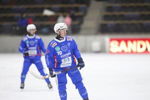 Robin Lundqvist missar lördagens match på grund av sin knäskada.