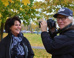 Lilli-Ann Forsberg har tagit hjälp av fotograf Caj-Åke Hägglund som ska fungera som lärare.