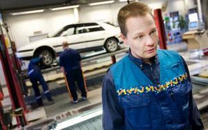 """""""Jämtland och Norrbotten har den bästa bilparken i landet"""", säger Jörgen Mattsson, platschef på Bilprovningen i Östersund."""