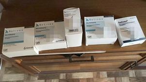 Förpackningar med cannabispreparatet Sativex funna hemma hos Niklas och pappan efter dådet. Foto: Polisen