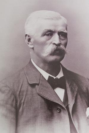 Adolf Emil Melander fotograferad inför sin 60-årsdag 1895. Fotot finns även i boken. Bild från privat arkiv.