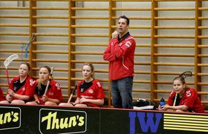 Anders Nilsson, tränare i Midas, berättar om klubbens initiativ inför helgens derby mot Roslagsalliansen.