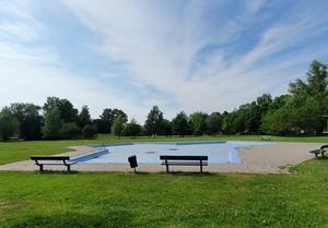 Plaskis är dammområdet vid Västra Vintergatan i Rosta, Örebro. Bilden är ifrån helgen den 19-20 juni då temperaturen höll sig strax under 30 garder. Utan vatten ingen svalka. FOTO: Privat
