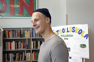 Tillsammans med Emil Rosell arrangerade Joacim Knapp, naturvetenskapsprogrammet, en innebandyturnering i vintras.