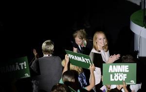 Centerns partiledare Annie Lööf inledningstalar på partiets valkonventFoto: Hossein Salmazadeh / TT