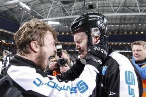 Christoffer Edlund och Magnus Muhrén i en känslostorm efter senaste guldet 2014. Bild: Pernilla Wahlman / TT