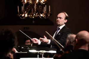 Dirigenten Ville Matvejeff.Foto: Nikolaj Lund