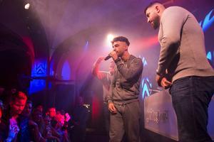 Rapparen Z.E. kan beskrivas som en artist som i allra högsta grad lockar en yngre publik, inte minst 18-åringar. Här på Hits For You i november 2018. Bild: David Söder.