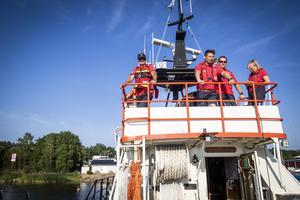 Från bryggan på den finska båten kunde personal från både den svenska och finska besättningen beskåda övningen.