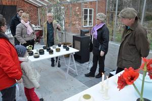 Julmarknad hos keramiker Kennet Williamsson i växthuset vid Mårsätters kvarn