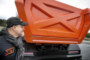 """Man ska se att det är en Scania ävern om det till stor del har handlat om att skapa en ny identitet. """"Framtidens identitet"""", säger designer Xavier Carreras."""