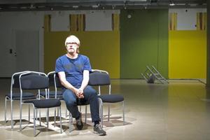 LJUDMÄSTARE. Hur låter nya Kulturkiosken i Gallerian Nian? Ljudkonstnären Thomas Bjelkeborn har tagit reda på det.