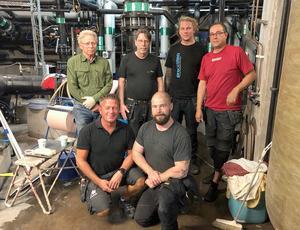 Arbetsgruppen som jobbat med att laga läckan,  bakre raden: Mats Westman, Stefan Skott, Jonas Wallén och Arri Rutenhielm, främre raden: Peter Elfsberg och Robert Hedin.