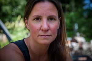 Caritha Barkskog led av dålig självkänsla och självförtroende i 20-årsåldern. Hon utvecklade anorexi.