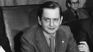 Olof Palme vid en presskonferens år 1975.