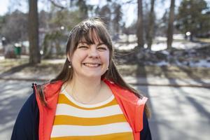 Julia Eriksson från Ljusne i Söderhamn har startat ett företag för att hjälpa andra att komma från kroppshetsen.