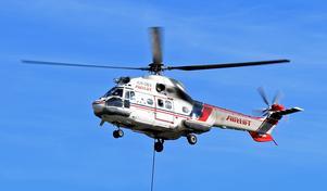 Helikoptern klarar tunga lyft.