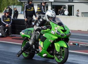 Tomas Jonsson, Korskrogen, leder EDRS-serien för Super compbike.