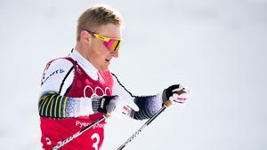 Jens Burman hade en tuff första sträcka i stafetten. Bild: Carl Sandin/Bildbyrån.