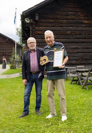 Seth Roos tillsammans med årets Rengsjöhare, Alve Larsson.