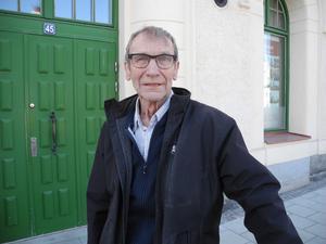 På frågan om det kan ges några garantier att inomhusmiljön i den så kallade B-längan vid Sundbornsskolan  är säker svarar Tronshagen :