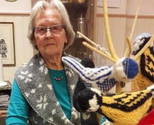 Ingeborg Bolla Johansson visade upp hantverk på Hedegården.Foto: Siw Fladwad
