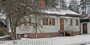 Hisingsgatan 16 i Köping har bytt ägare för 1 900 000 kronor.