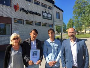 Karin Lindgren, Ali, Alireza och Christian Mölk, pastor i Pingsförsamlingen Härnösand sörjer en vän och församlingsmedlem.