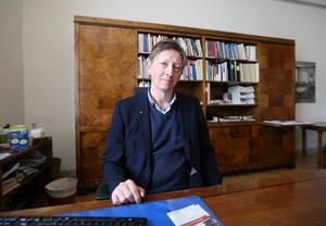 Faluns kommunalråd Joakim Storck (C) är i grunden positiv till partikollegan Lööfs förslag, trots att mindre orter i Falu kommun som Svartnäs och Vintjärn inte kommer att få ta del av skatteavdraget.