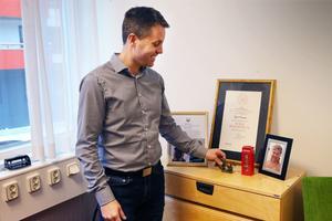 Robert Beronius i sitt nya arbetsrum i kommunhuset.