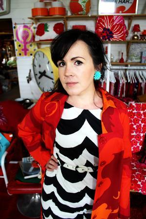 Heidi Hed letar kläder på Lata Pigan.