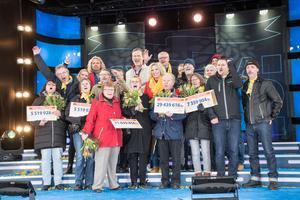 9 april. Postkodlotteriet ställde till med stor fest på Vasatorget i Smedjebacken. 103 miljoner delades ut i vinster och allra mest fick Söderbärkebon Sören Wetterskog, 72, som kunde gå därifrån 29 439 616 kronor rikare.