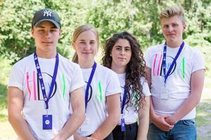 Dennis Lögdahl, Sara Norell, Ryaheen Alsaudi och Kasper Moen är fyra av ungdomarna i Hedemora kommun som får möjlighet att driva företag genom