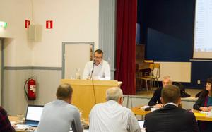 Henrik Öhrn under kommunfullmäktigemötet där hans motion röstades ner 2016.
