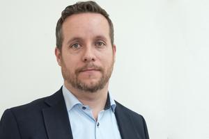 Marcus Svinhufvud (M) är ordförande i barn- och utbildningsnämnden.