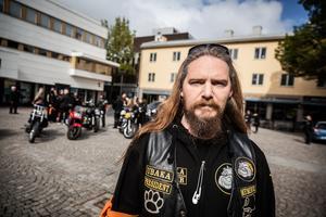 Patrik Kling är språkrör på Orange Day MC.