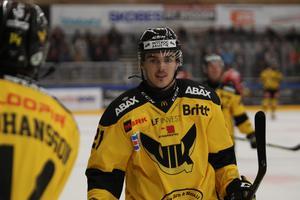 Fredrik Hetta är en av spelarna som inte ännu har fått nytt kontrakt över nästa säsong.