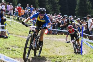Jenny Rissveds kraschade när hon testade OS-banorna inför nästa år och kunde inte delta i det avslutande racet i söndags. Foto: Gian Ehrenzeller/Keystone via AP