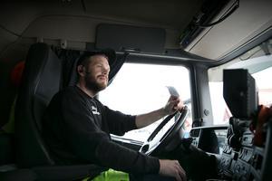 Karl-Anders Olars är kritisk till beslutet att inte salta riksväg 50 norr om Enviken.