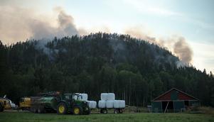 Torsdagen den 19 slog åskan ner i Ljustorp, Burberget och startade en skogsbrand.