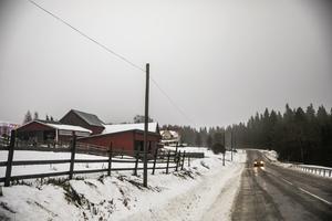 Gården Slåtte på vägen mellan kyrkbygden i Alsen och Bleckåsen i novemberdis.