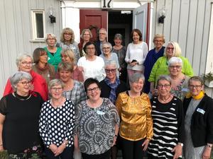 18 elever och tre lärare kom till 50-årsjubileet.