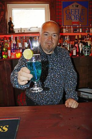 Anders Forsell tycker det är roligare att blanda drinkar till andra än att dricka dem själv.