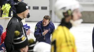Svenne Olsson ser inga konstigheter i att Bollnäs kunde förlora mot både AIK och Motala.