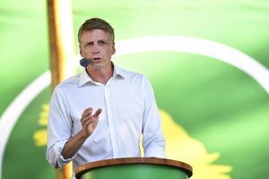 Miljöpartiets språkrör Per Bolund talade under Miljöpartiets dag på politikerveckan i Almedalen 2019. Foto: Henrik Montgomery/TT