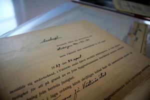 Dokument om avstyckningen av tomten finns bland annat kvar.